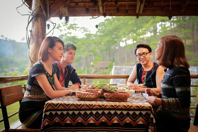 Hoàng Oanh ăn uống, đi đạo cùng người yêu cũ ở Đà Lạt - 11