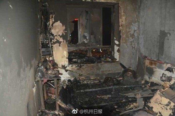Căn phòng trọ cháy rụi sau vụ việc.
