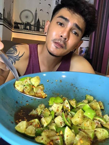Món chanh mắm đường xót ruột của thánh ăn cay Thái Lan