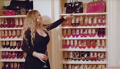 Tủ đồ với hơn 1.000 đôi giày của Mariah Carey