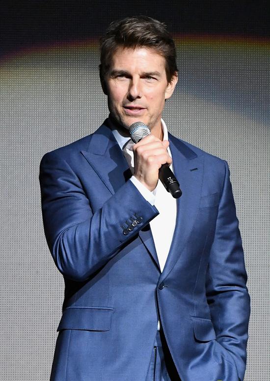 Dù đã ở tuổi ngũ tuần, Tom vẫn không giảm phong độ cả về ngoại hình lẫn khả năng diễn xuất. Hè năm nay, đặc vụ Ethan Hunt tiếp tục trở lại với phần 6 của Mission: Impossible.