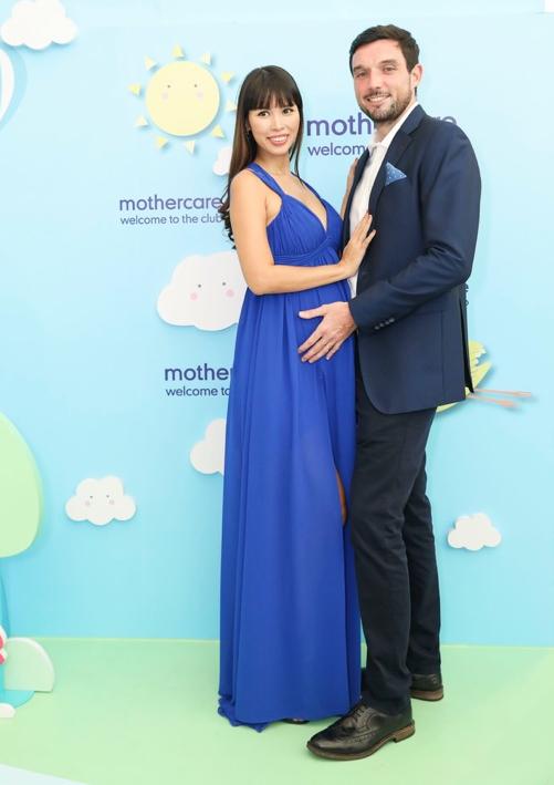 Hà Anh và chồng rạng rỡ xuất hiện tại xuất hiện tại sự kiện khai trương của thương hiệu Mothercare tại Crescent Mall Quận 7.