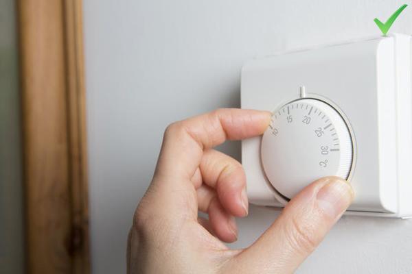 Giảm nhiệt độ phòng Ngủ trong phòng có nhiệt độ thấp giúp kích thích đốt cháy mỡ thừa. Một nghiên cứu được công bố trên tạp chí y khoa Diabetes cho thấy những người ngủ trong phòng có nhiệt độ khoảng 66 độ đốt cháy thêm 75 calo so với những người ngủ trong phòng ấm hơn.