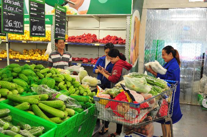 Các gia đình có cơ hội mua thực phẩm giảm giá tại MM Mega Market Việt Nam.