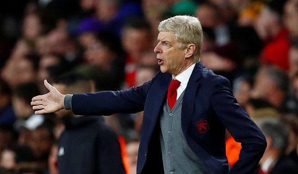 HLV Wenger và các học trò gây thất vọng khi bị Atletico cầm hòa dù được chơi trên sân nhà và có ưu thế hơn người từ rất sớm. Vô địch Europa League là cánh cửa duy nhất giúp Pháo thủ có thể thi đấu ở Champions League mùa sau nhưng việc bị Atletico cầm chân ở bán kết lượt đi, cơ hội đi tiếp của Arsenal không còn nhiều.