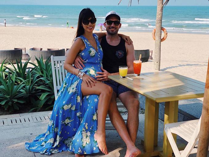 Cuộc hôn nhân của cặp đôi luôn tràn ngập tiếng cười bởi cả hai có nhiều điểm chung về tính cách, sở thích du lịch.