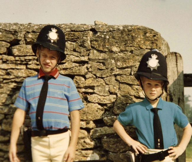 William và Harry có mối quan hệ anh em thân thiết từ nhỏ. Ảnh: Điện Kensington.