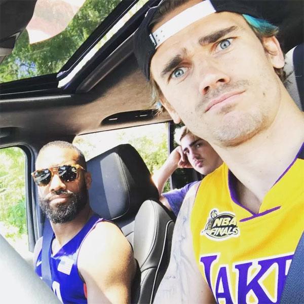 Griezmann và Lacazette cùng nhau đi chơi ở Los Angeles mùa hè năm ngoái.