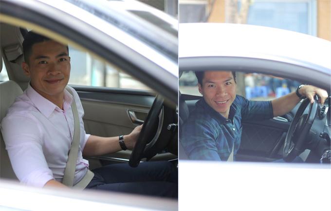 Hai anh em tới tòa soạn Ngoisao.net trên hai xe riêng.