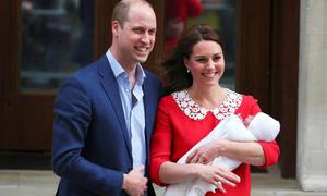 Công nương Kate bị chỉ trích vì quá chỉn chu khi xuất hiện cùng hoàng tử bé