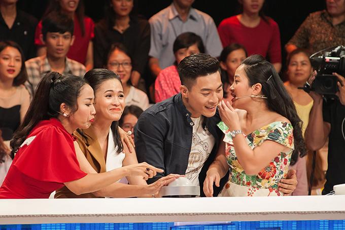 Từ trái qua: Ốc Thanh Vân, Thuỳ Trang, Quốc Cơ, Hồng Phượng.