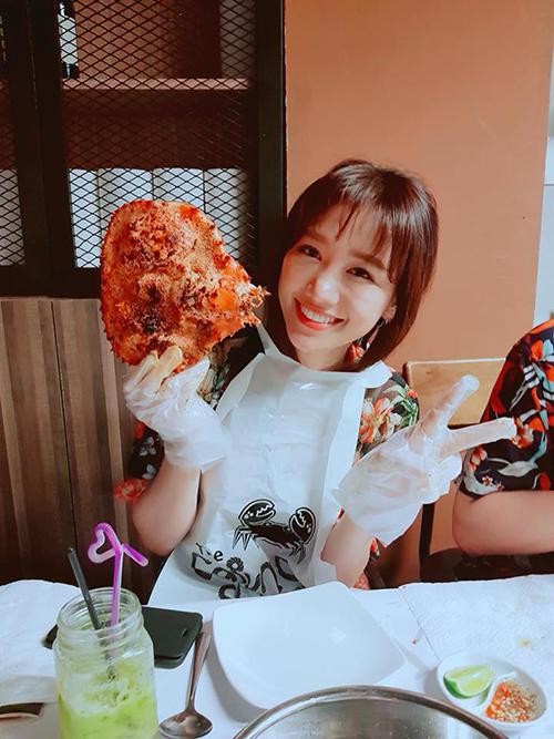 Vì tăng 2,5 kg nên Hariwon xin phép ăn một bữa no cuối cùng trước khi bắt đầu quá trình giảm cân.