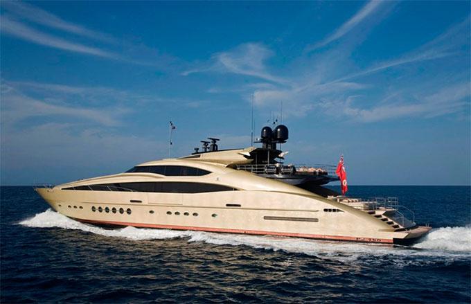 Nicole Kidman là chủ nhân của du thuyền Sunseeker Manhattan 74 có giá 4,5 triệu USD (102 tỷ đồng). Cô đặt tên thuyền giống biệt danh của mình là Hokulani.
