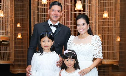 Vợ chồng Bình Minh làm tiệc kỷ niệm 10 năm ngày cưới