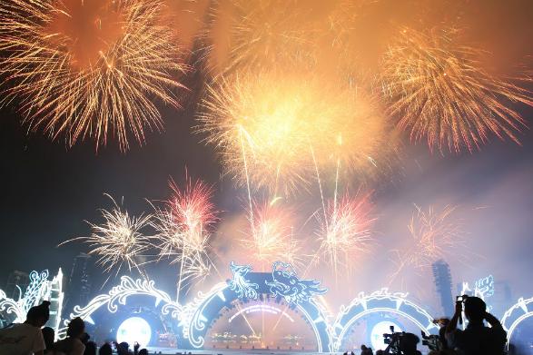Hơn 2.000 nghệ sĩ biểu diễn trong đêm Carnaval Hạ Long