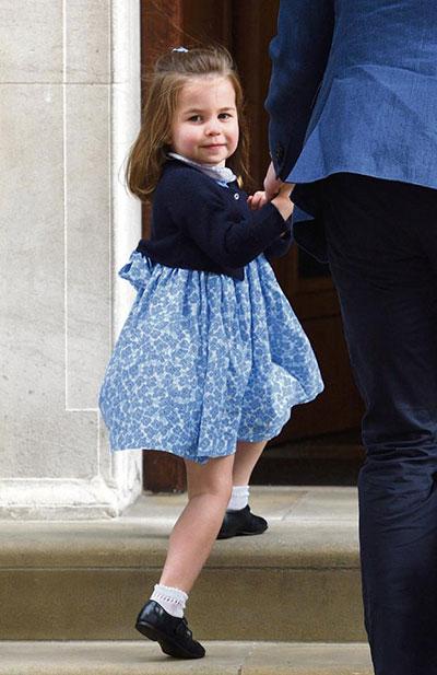 Công chúa Charlotte giữ vững vị trí thứ 4 trong danh sách thừa kế dù có em trai mới sinh. Ảnh: AFP.