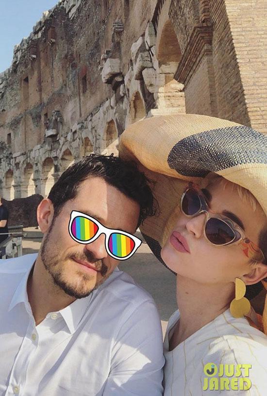 Katy Perry và Orlando Bloom diện kiến Giáo hoàng tại Vatican