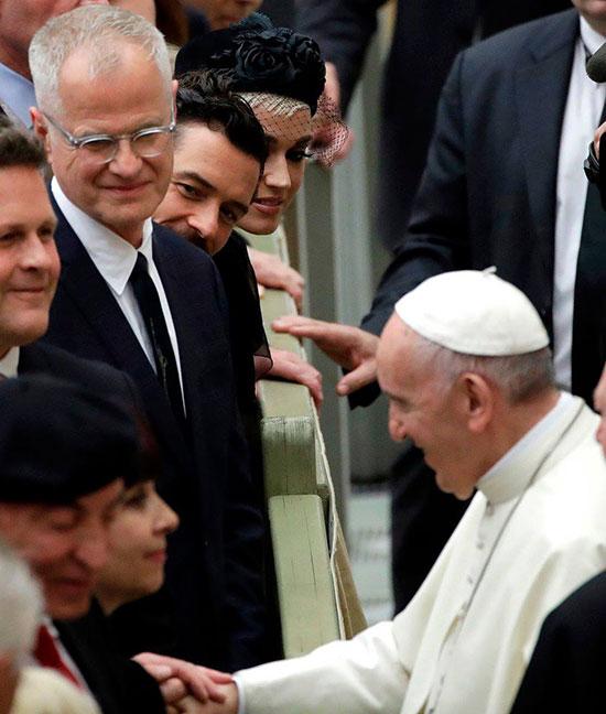 Cặp sao tham dự buổi tọa đàm về thiền định như một phương pháp chữa bệnh trong khuôn khổ United to Cure - sự kiện kéo dài 3 ngày tại Vatican để thảo luận về sức khỏe, văn hóa, xã hội và công nghệ.