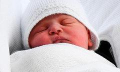 Con thứ ba của Kate đáng lẽ không được làm hoàng tử