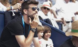Pique đưa hai con trai đến xem Nadal thi đấu