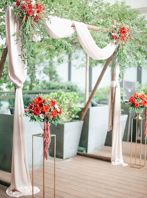 'Tất tần tật' cách tổ chức tiệc cưới với sắc đỏ rực rỡ