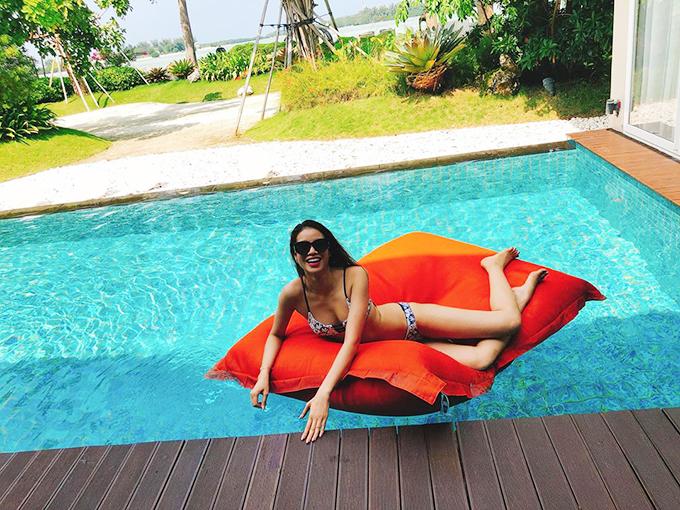 Phạm Hương có chuyến công tác ở Indonesia và tận hưởng những ngày thảnh thơi ở một trong những khu resort nổi tiếng nhất đất nước vạn đảo.