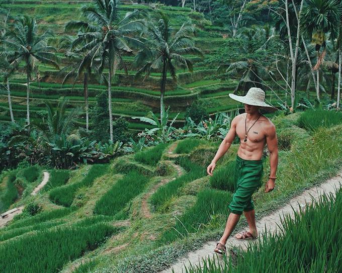 Hồ Vĩnh Khoa và người bạn đời tiếp tục hành trình du lịch khắp thế giới cùng nhau và điểm đến lần này là những thửa ruộng bậc thang ở Bali (Indonesia).