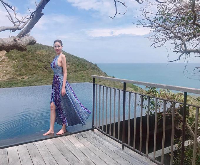 Quỳnh Thư khoe dáng nuột nà ở resort Amanoi (Ninh Thuận), nơi có giá phòng cao nhất Việt Nam.