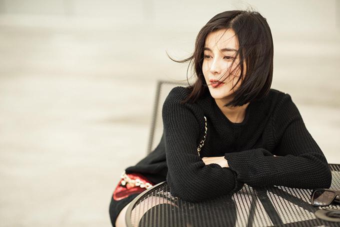 Cao Thái Hà cho biết, cô cắt tóc để phù hợp với vai nữ chính trong phim truyền hình Án nóng.