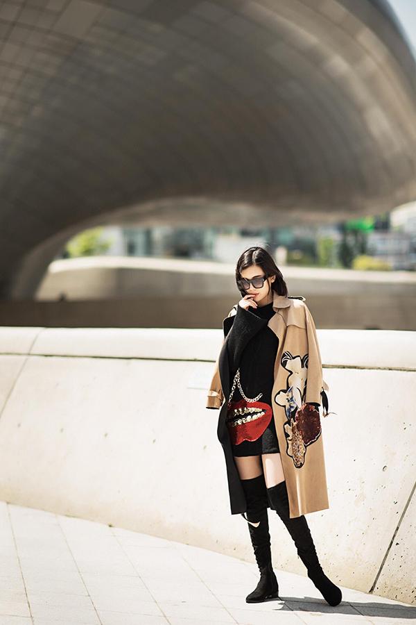 Trong 5 năm hoạt động nghệ thuật, hầu hết các vai diễn của Cao Thái Hà đều thuộc tuýp nữ tính, để tóc dài. Với dự án mới của đạo diễn Nguyễn Anh Tuấn, cô buộc phải thay đổi hoàn toàn dung mạo và phong cách ăn mặc.