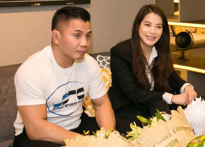 Trương Ngọc Ánh ra sân bay đón ngôi sao võ thuật Cung Lê