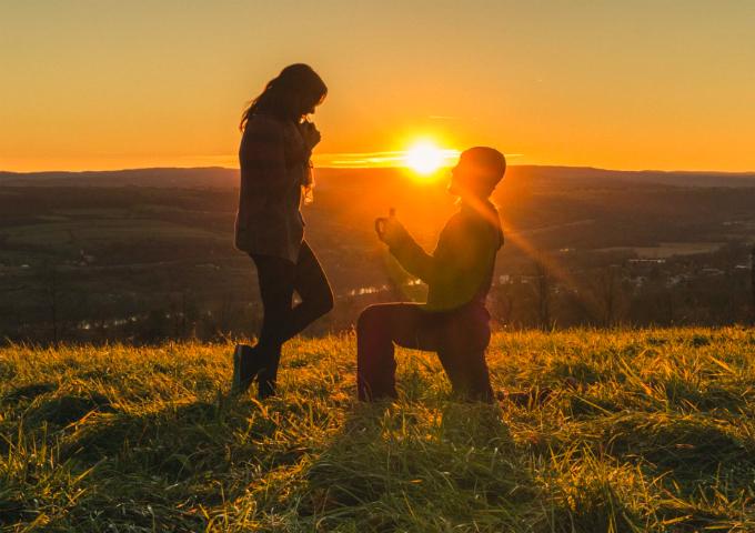 Mách chàng các cách cầu hôn khiến nàng không thể chối từ