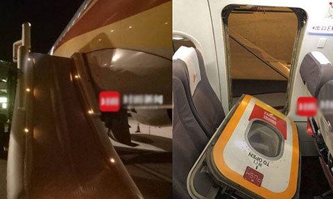 Hành khách muốn hít khí trời, mở bung cửa thoát hiểm máy bay