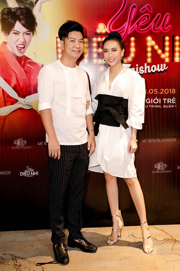 Minishow Yêu của Diệu Nhi sẽ diễn ra vào hai đêm 17-18/5 tại sân khấu kịch Thế Giới Trẻ, TP HCM. Chương trình được thực hiện bởi hai đạo diễn Ngọc Hùng (ảnh), Trung Lùn, biên kịch Nguyễn Bảo Ngọc.