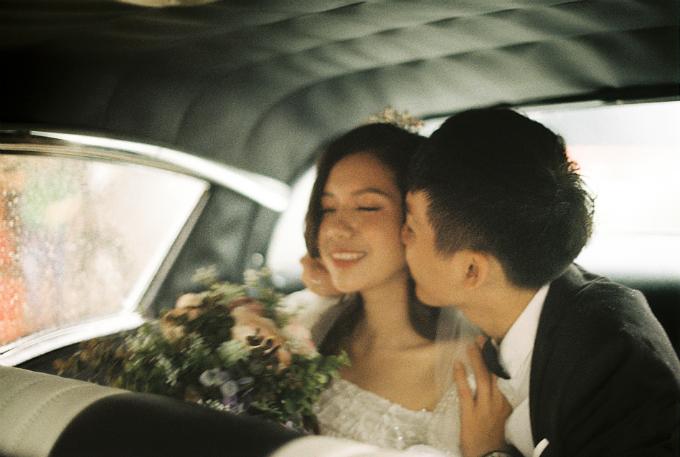 Ngày cặp đôi chính thức công khai mối quan hệ là 2/12/2014. Hoàng Nam tiết lộ anh chính là mối tình đầu của bà xã. Còn với Nam: Vân Anh là người tôiyêu lâu nhất, ít xảy ra xích mích nhất và luôn bên cạnh tôinhững lúckhó khăn nhất. Tôinghĩ đây là điều mấu chốt để giúp mối quan hệ tiến xa hơn.