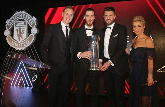 De Gea nhận danh hiệu cầu thủ MU hay nhất mùa giải trong lễ tôn vinh tổ chức đầu tuần này.