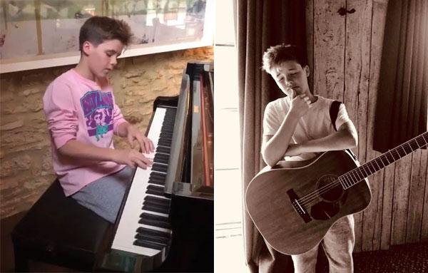 Cậu út nhà Becks có năng khiếu ca hát, đang học piano và guitar.