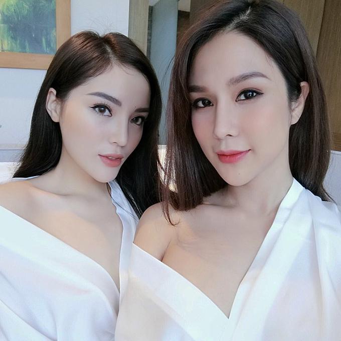 Kỳ Duyên hội ngộ người chị thân thiết Diệp Lâm Anh trong tiệc sinh nhật một người bạn. Diệp Lâm Anh chia sẻ: Có cô em được cái mạnh mẽ và thẳng thắn, ngày càng yêu.