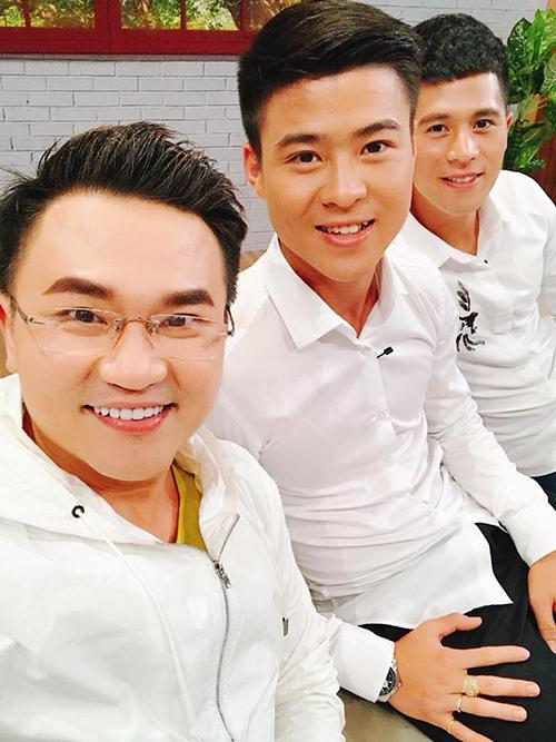 MC Đại Nghĩa hội ngộ cùng 2 tuyển thủ U23 Việt Nam là Duy Mạnh và Đình Trọng trong một gameshow.