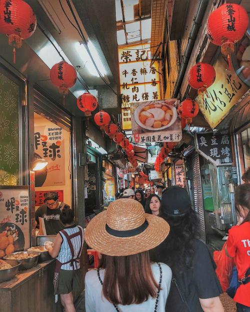Cùng Yến Trang, Yến Nhi ăn hết cả Đài Loan - 9