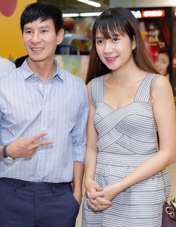 Vợ chồng Lý Hải dành 10 ngày đi khắp các rạp chiếu ở TP HCM, Đồng Nai, Bình Dương, An Giang và Cần Thơ.
