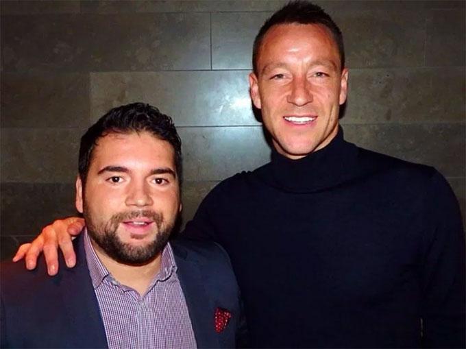... hay Terry, những tuyển thủ Anh nhiều năm chinh chiến ở Premier League.