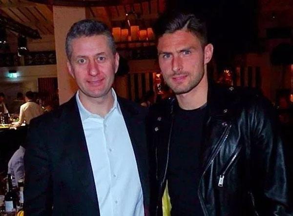 Chân sút Pháp Giroud cũng nghiện những món ăn ở Novikov.