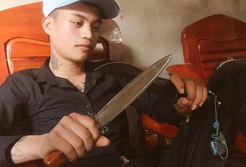 Đạt dùng dao đâm nhiều nhát khiến bạn gái cũ tử vong.