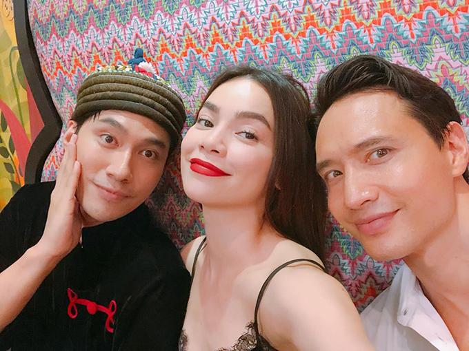 Hồ Ngọc Hà - Kim Lý sánh đôi tới chúc mừng người em thân thiết Lý Quí Khánh mở nhà hàng Thái Lan.