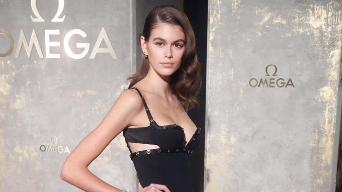 Từ năm 2017, Kaia trở thành gương mặt mới của hãng đồng hồ Omega.