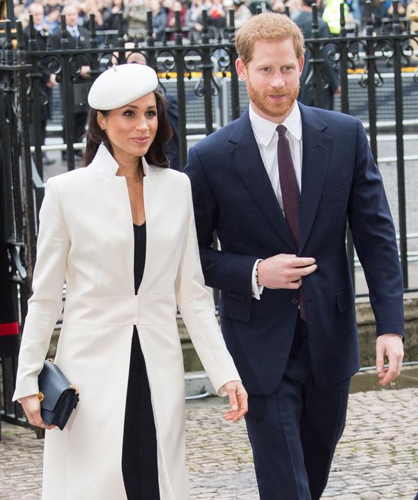 Dưới sự cổ vũ của vị hôn thê, Hoàng tử Harry đã tích cực tập luyện, bỏ thuốc lá và ăn kiêng để chuẩn bị cho ngày trọng đại.