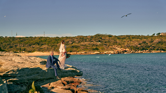 Một tuần sau khi từViệt Nam về Australia,Andrew đã cầu hôn Ngọc Lê tại biển và một đám cưới ấm cúng đã diễn ra sau đó.