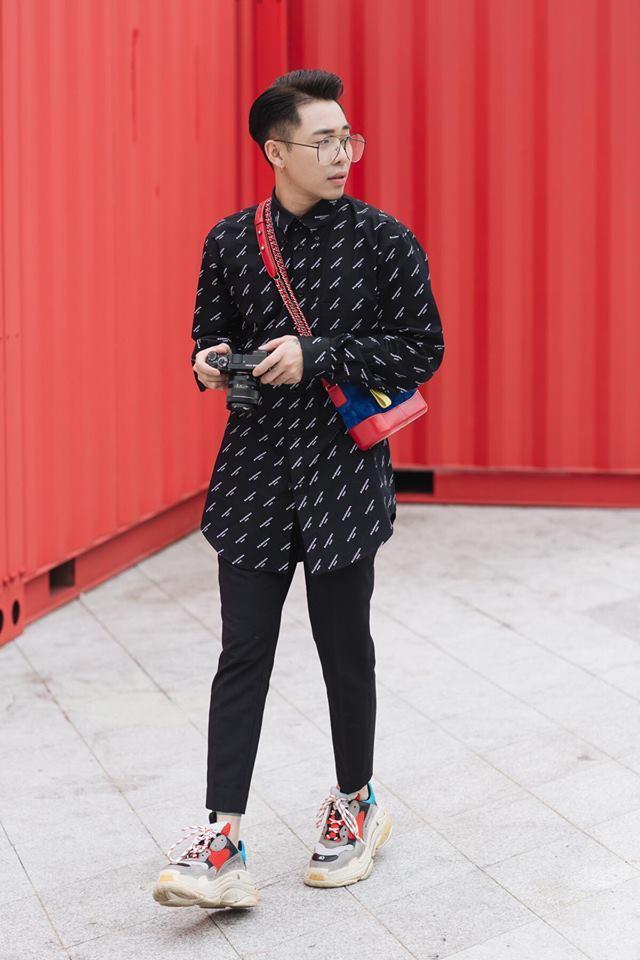 Đủ kiểu \'chinh phục\' giày đế thô của fashionista Việt