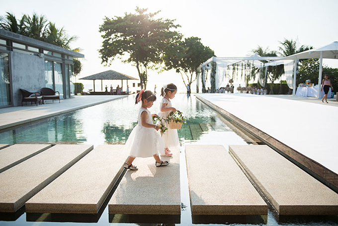 Được trở thành một phần của hôn lễ, những đứa trẻ sẽ rất thích thú.